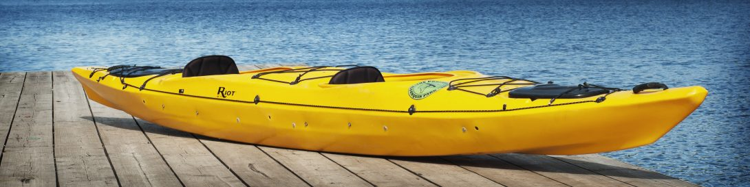 Tandem recreational kayak